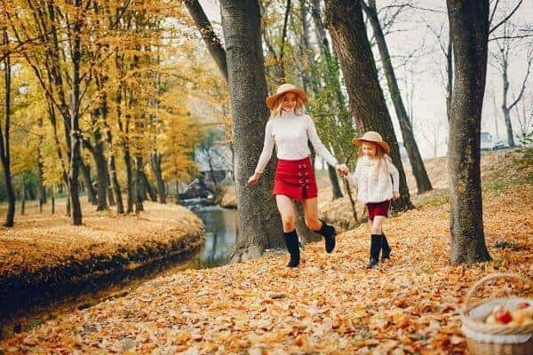 mother and daughter fall photoshoot