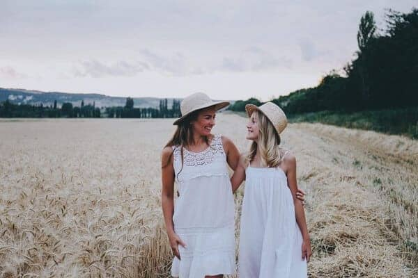 mother and daughter white dresses photoshoot