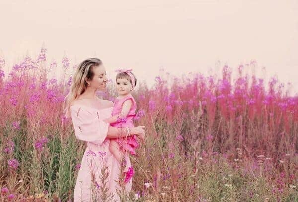 mother and toddler daughter photoshoot