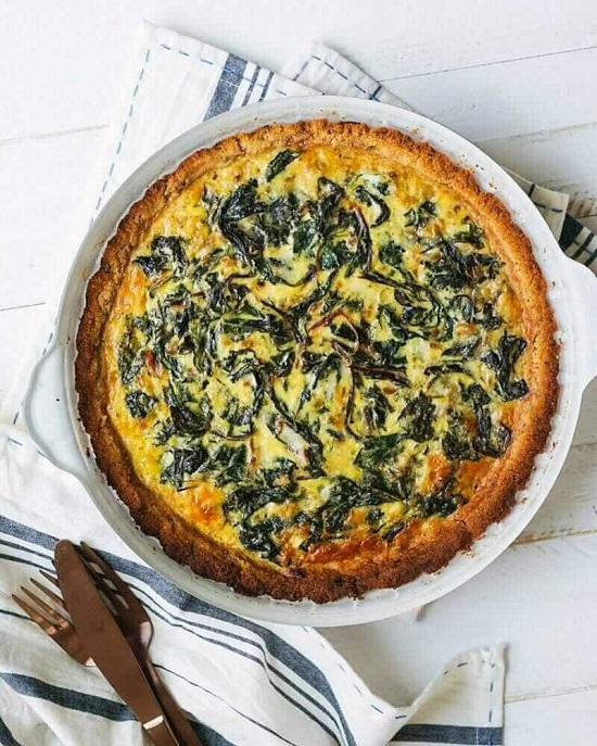 Vegetarian Spinach Quiche with Almond Crust